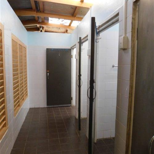 Entrance to Unisex showers